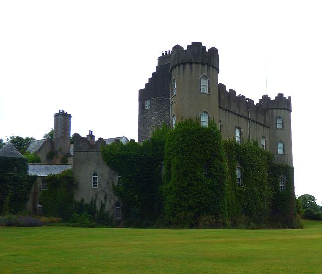 Castello Malahide in italiano - Dublino Facile